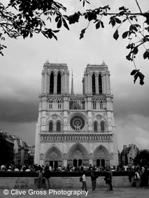 Notre Damme Cathederal front