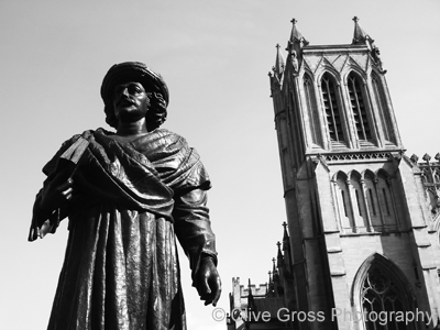 Roy Statue Bristol Cathederal
